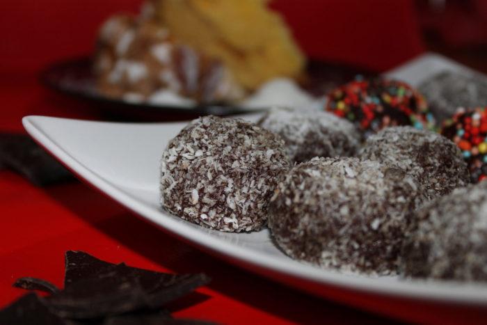 Tartufi di colomba e cioccolato - Ricette Passo Passo con foto