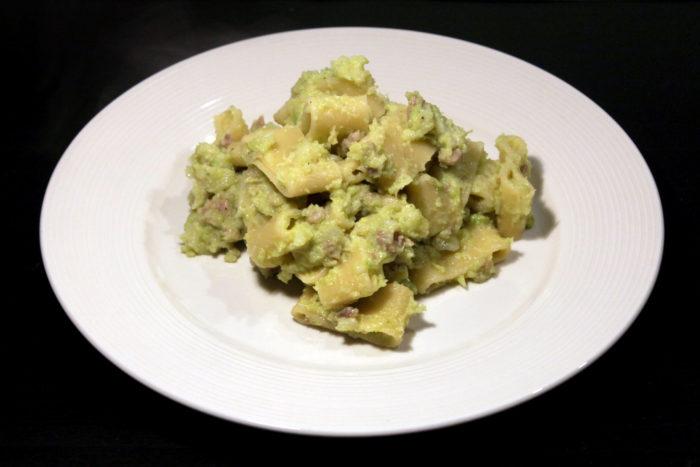 Pasta con broccoli e salsiccia - Ricette Passo Passo con foto