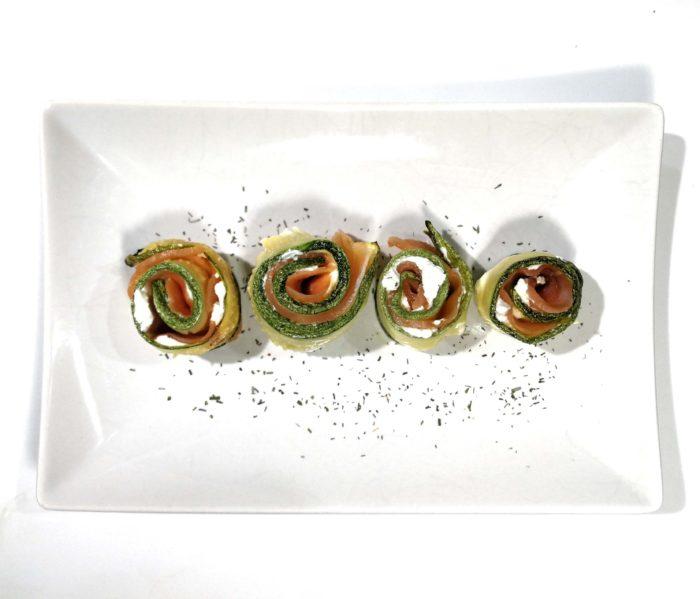 Involtini di zucchine salmone e robiola - Ricette Passo Passo con foto