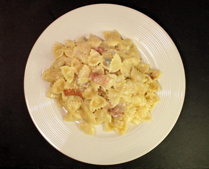 Pasta con speck e gorgonzola - Ricette Passo Passo con foto